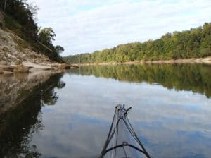 paddling-along-Alum-Bluff-along-the-upper-Apalachicola-River-FKFAEV.tmp_